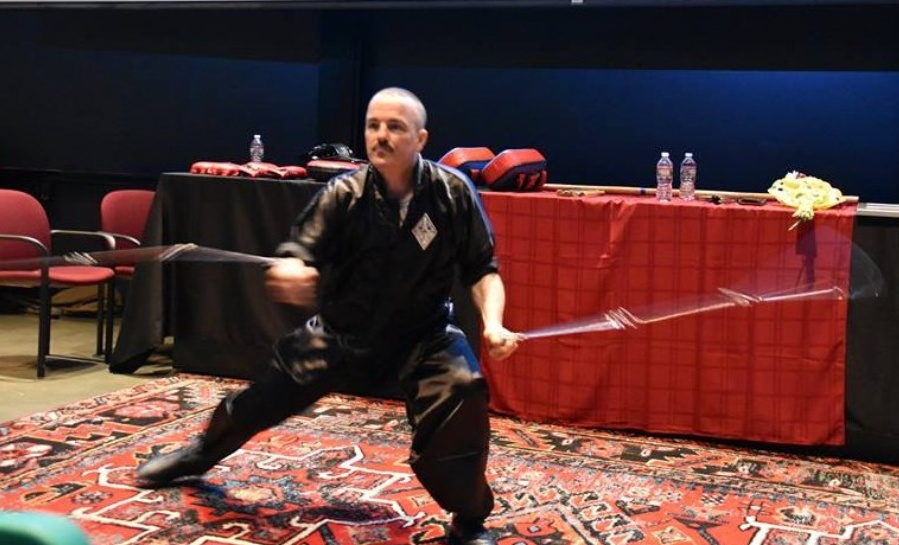 2018 - sifu-michael-goodwin -erforms double-whip-chains
